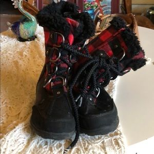 London fog buffalo plaid snow boots